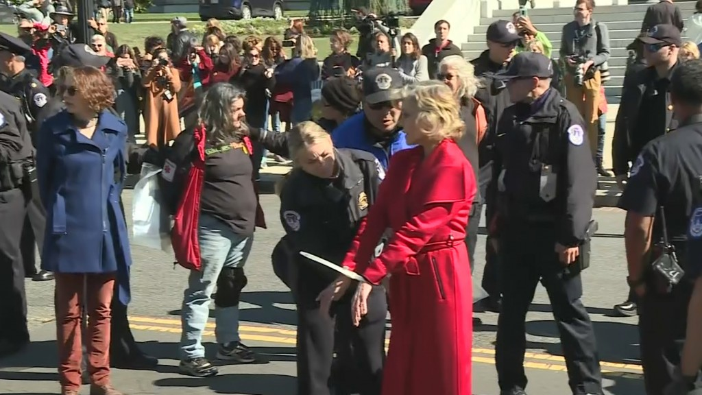 Police arrest Jane Fonda at Capitol again
