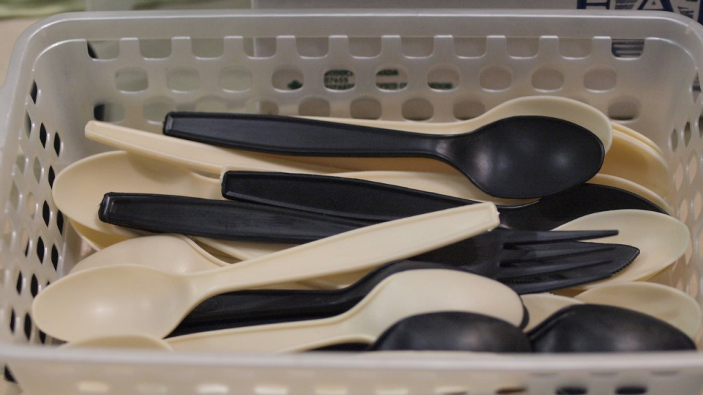 Atlanta city council votes to ban plastic utensils