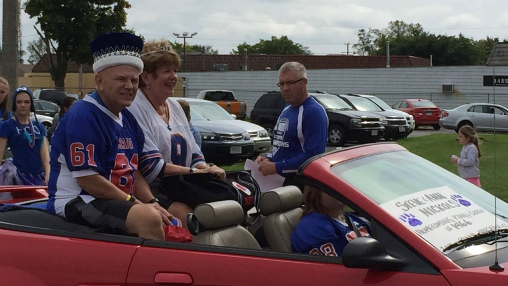 High school sweethearts, 1966 homecoming king and queen lead Janesville Craig's homecoming parade