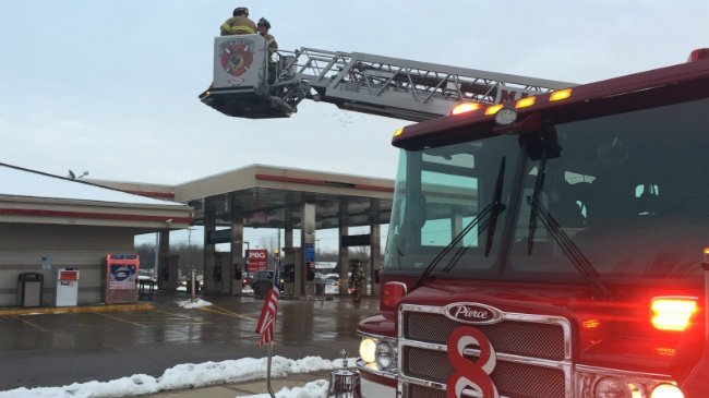 Bird's nest on top of gas station awning catches fire, officials say