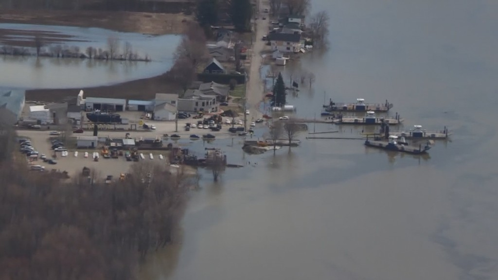 Warm temperatures, rapidly melting snow cause flooding in Quebec