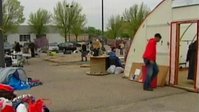 People at Occupy Madison pack up, leave site