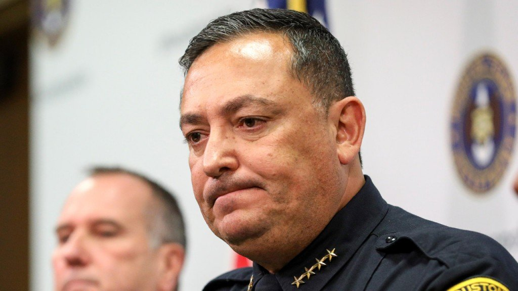 Houston police chief slams GOP over gun laws