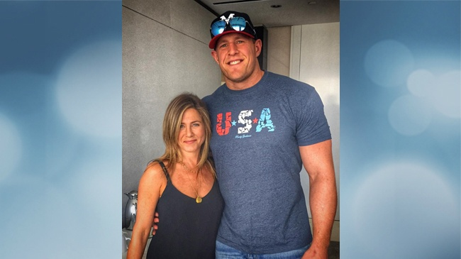 J.J. Watt bowled over by meeting with Jennifer Aniston