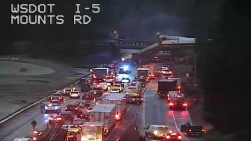 At least 3 dead in Amtrak derailment in Washington state, official says