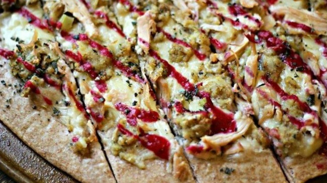 RECIPE: Thanksgiving pizza