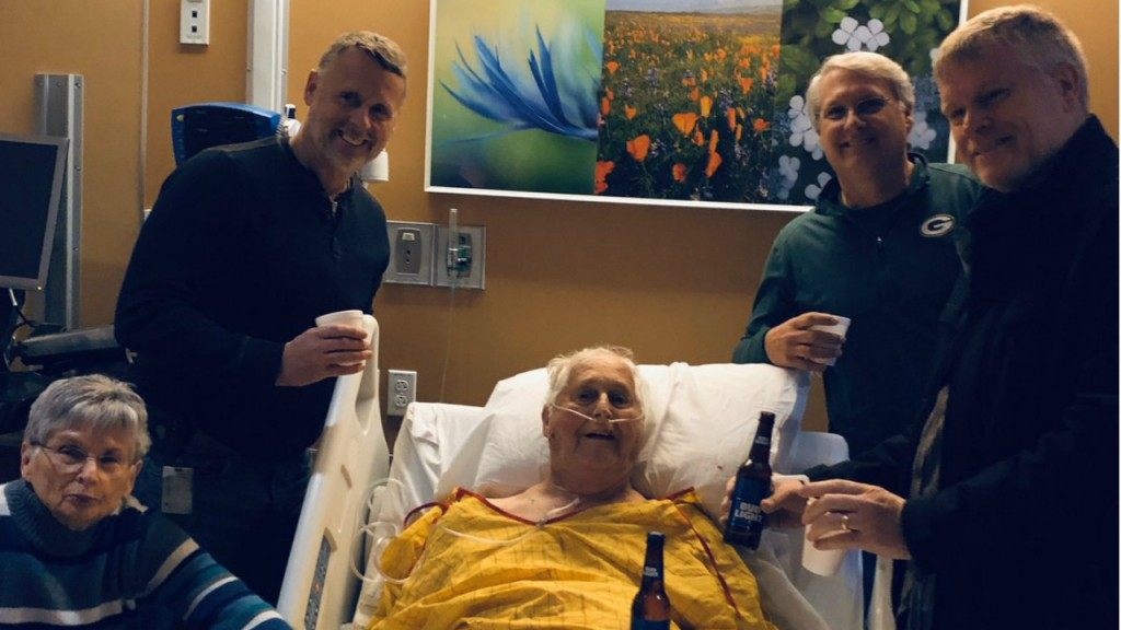 87-year-old man gets final wish: a beer with his sons