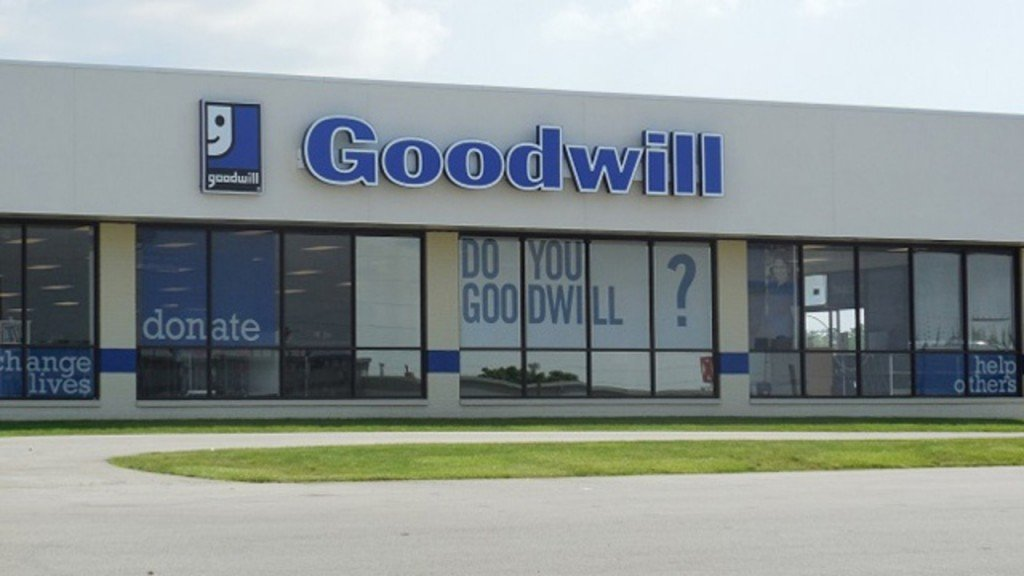 Goodwill Store 30255512 7216056 Ver1 0