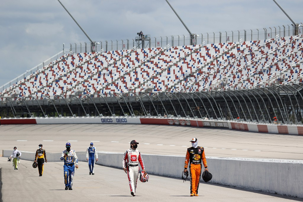 Nascar Cup Series The Real Heroes 400