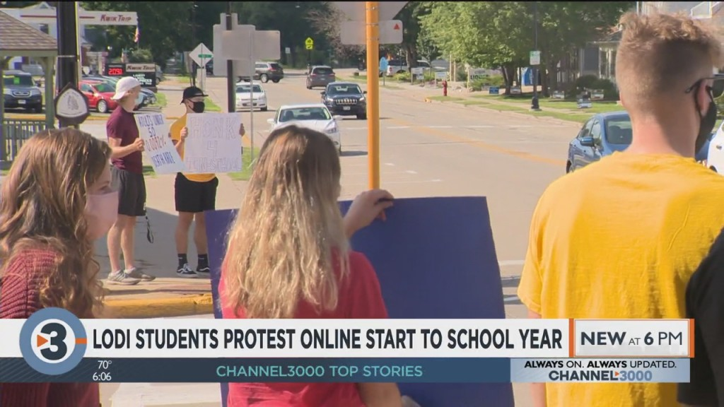 Lodi Students Protest Online Start To School Year