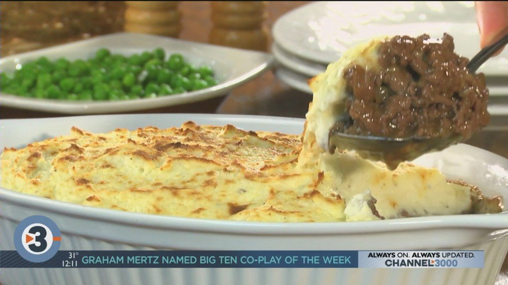 Mr. Food Makes Easy Cheesy Cottage Pie