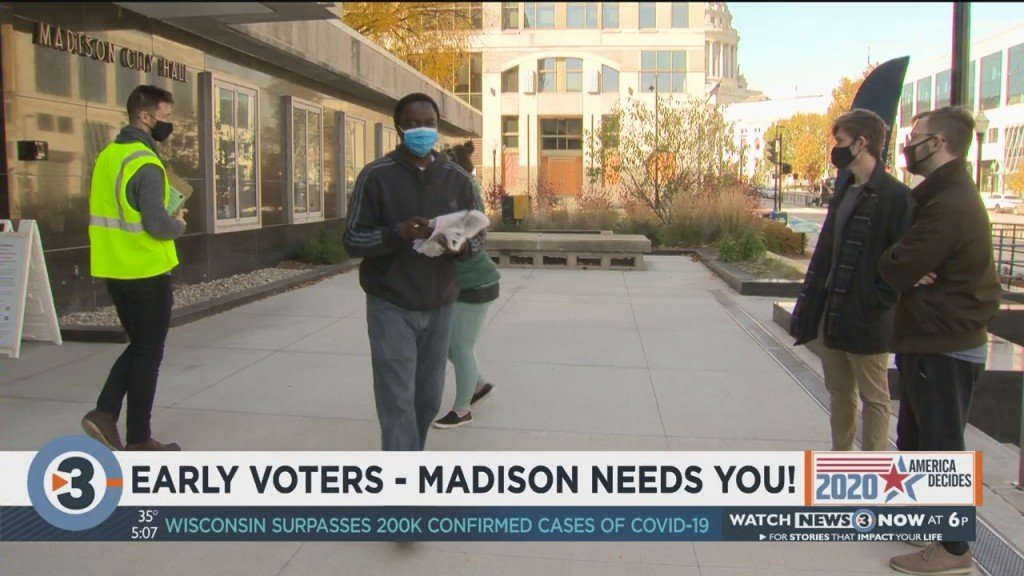 Wisconsin Mayors Kickoff Early Voting Challenge