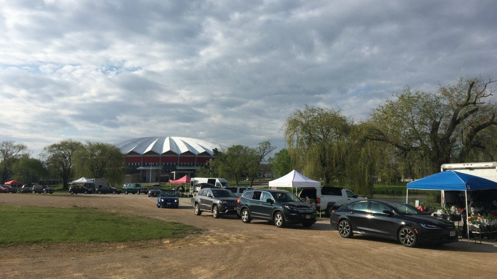 Patrons Drive Through The Dcfm Local Food Pick Up On Willow Island At The Alliant Energy Center. (1)