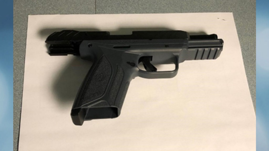 Loaded gun found at Mitchell Airport in Milwaukee