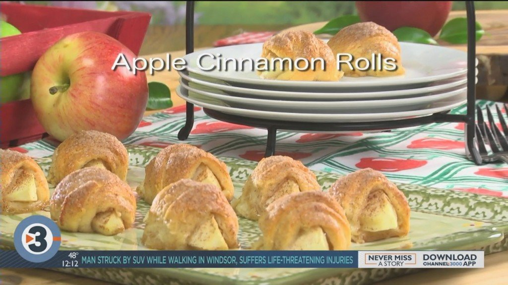 Mr. Food: Apple Cinnamon Rolls