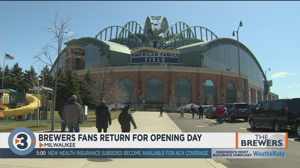 For The First Time In 557 Days, Brewers Fans Are Back In Person