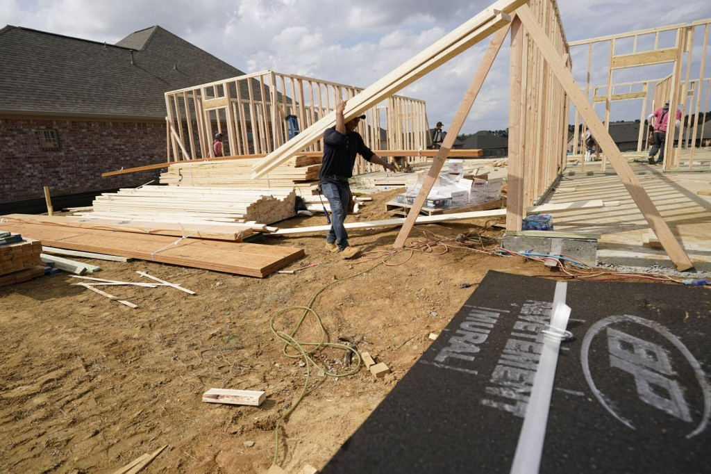 Construction Spending Dips 0.8% In February Amid Bad Weather