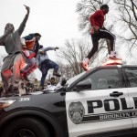Police, Protesters Clash For 2nd Night In Minnesota; Biden Gets Help On Border; Winter Making Comeback