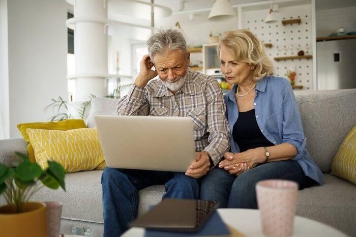 How To Navigate Social Security When There's A Big Age Gap Between You And Your Spouse