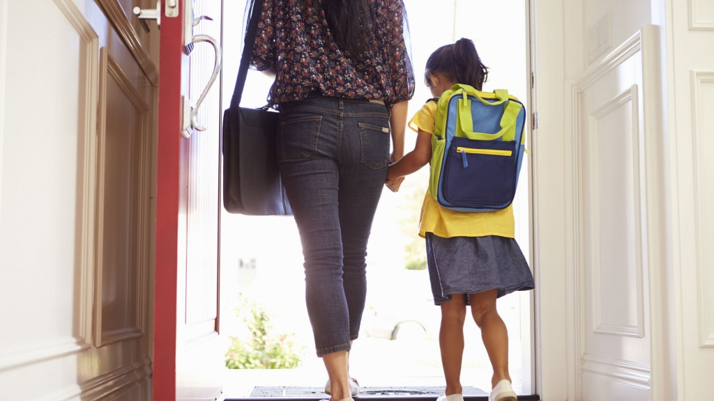 Close,up,of,mother,and,daughter,leaving,for,school