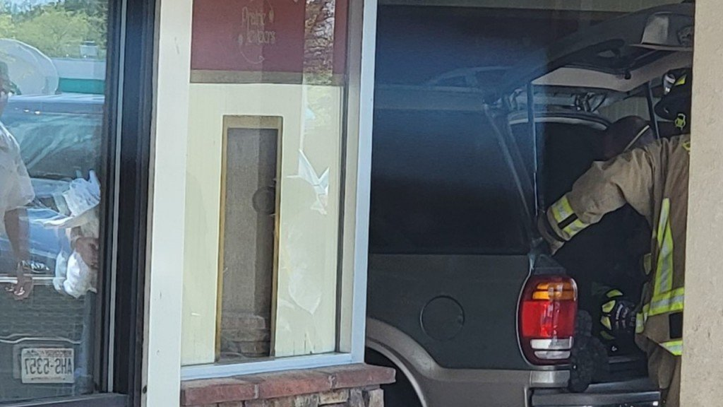 Sun Prairie vehicle crashes into business