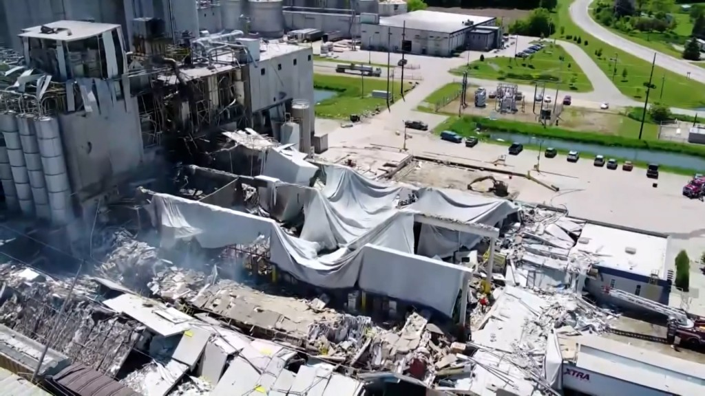 20170803 Thu0493 Plant Explosion Pkg Wi Didion Milling Reopensmp400 00 21 01still001