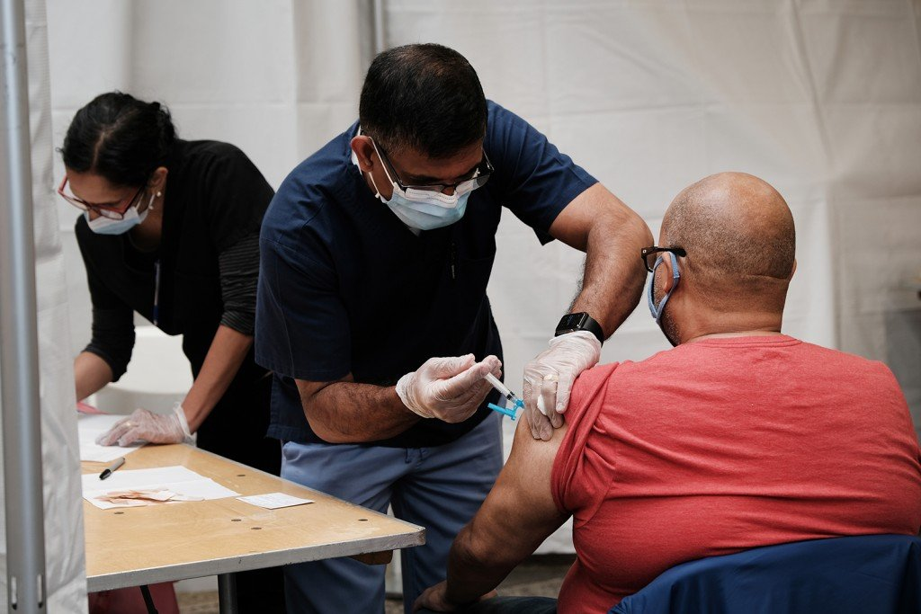 New York Opens Pop Up Vaccination Sites At Mta Stations, Offering Free Metro Cards