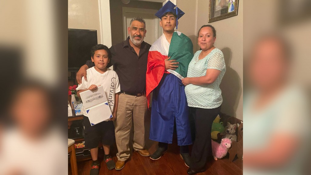 Ever Lopez and family