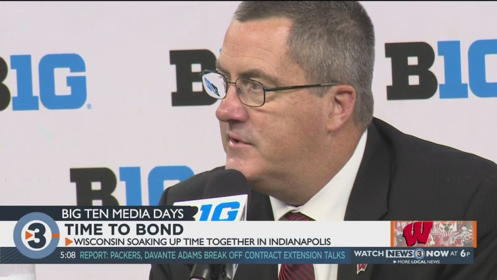 Time To Bond: Wisconsin Soaking Up Time Together In Indianapolis