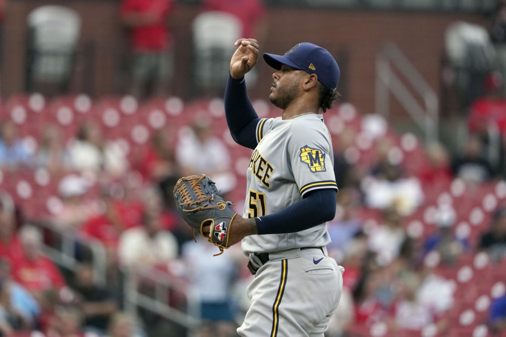 Brewers' Peralta Heads To Il With Shoulder Inflammation