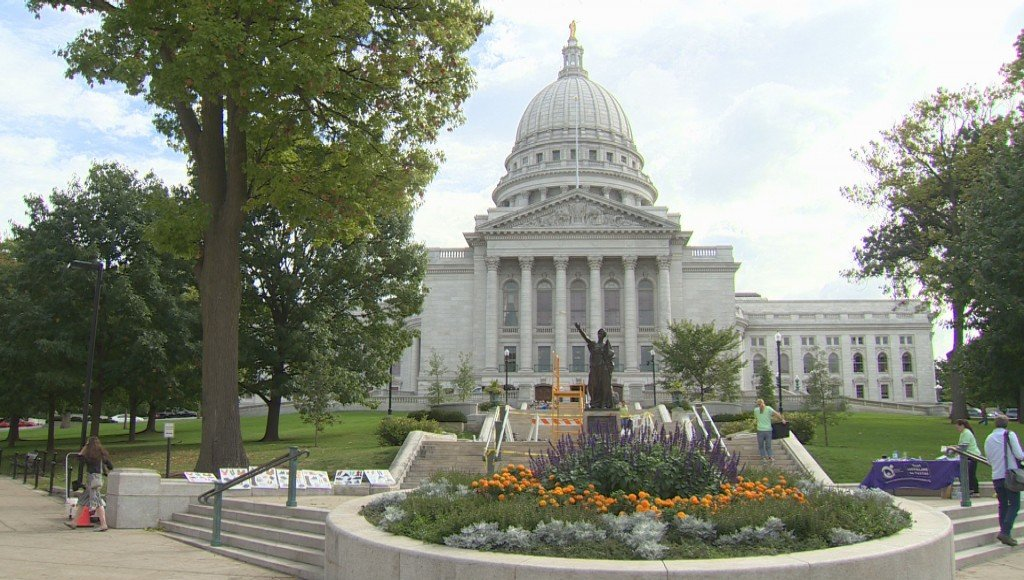 Wisconsin State Capitol Statues Reinstalled
