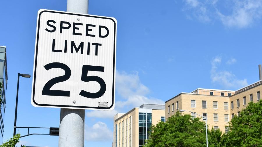 25 speed sign 1 e1631214492235.