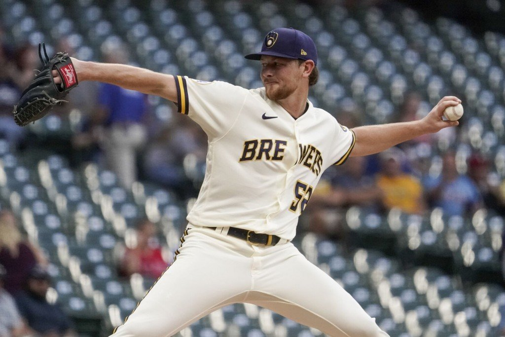 Lauer Shines As Brewers Roll To 10 0 Blowout Of Phillies