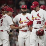 Cards' 17 Game Winning Streak Ends With 4 0 Loss To Brewers
