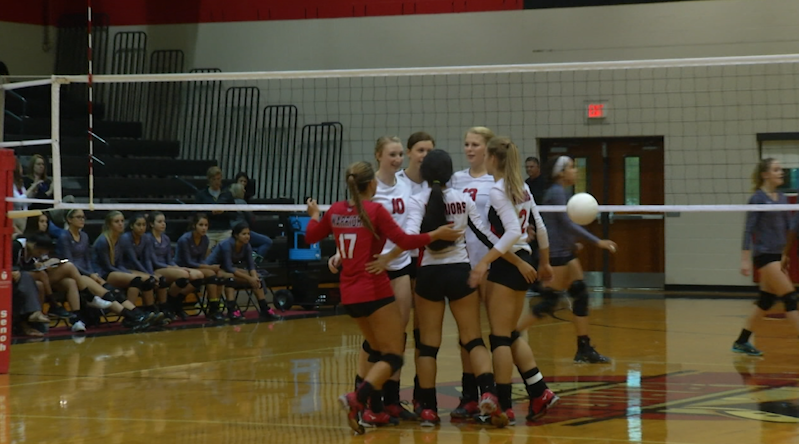 West Volleyball Sweeps Floresville