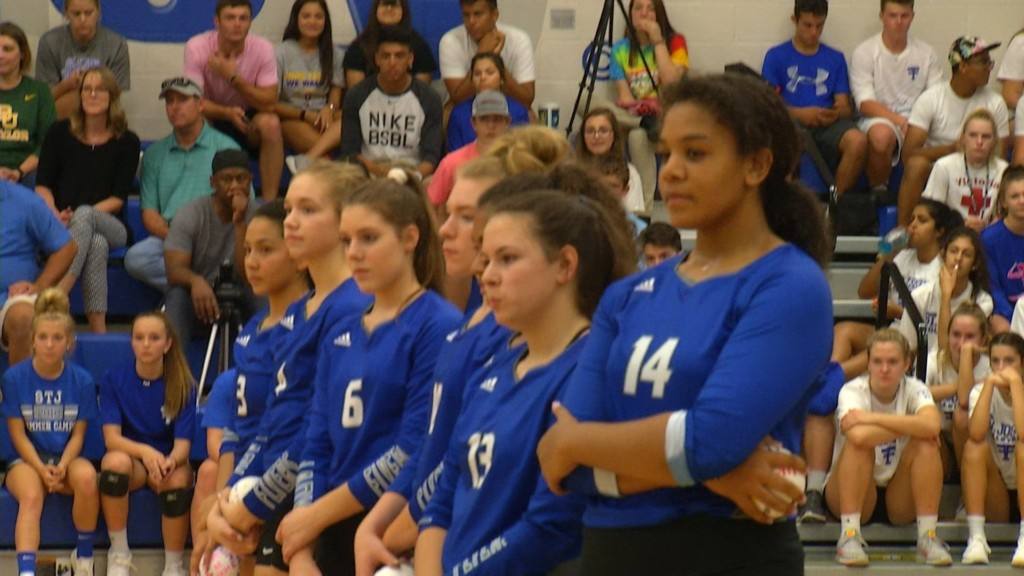 STJ Volleyball Preps For State