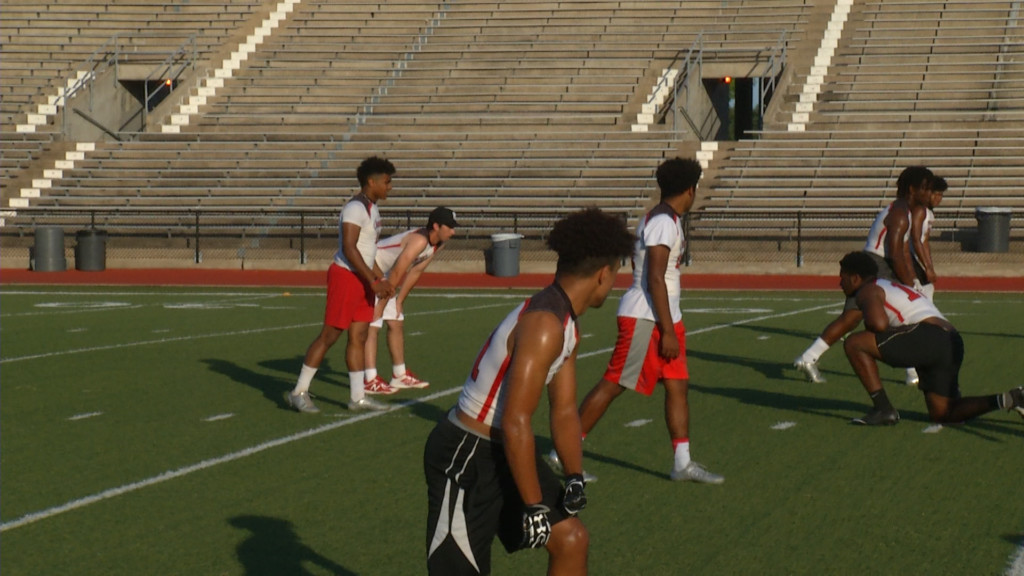 East Players Wear Helmets For 7-On-7 For First Time