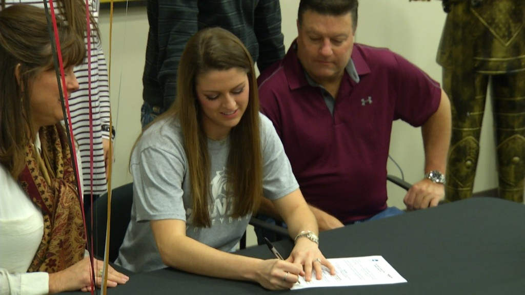 East Volleyball Star Signs With Trinity