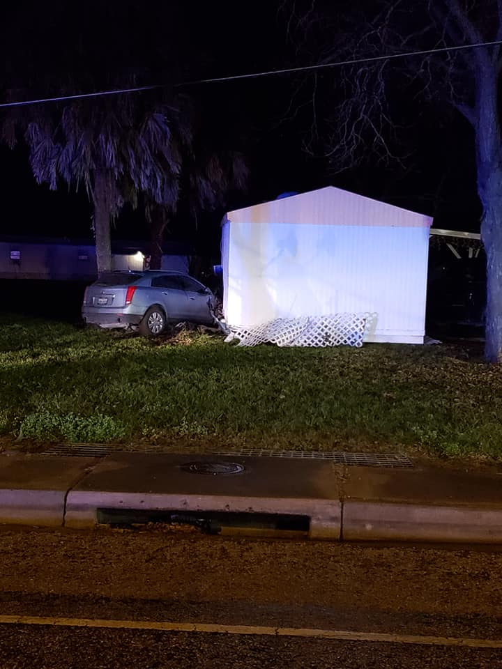 Update: Suspect arrested in multi-county police chase ending with car crash into trailer
