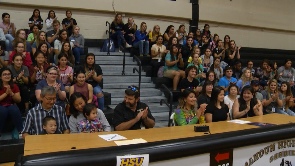 Calhoun State Champs Sign With Colleges 5-20