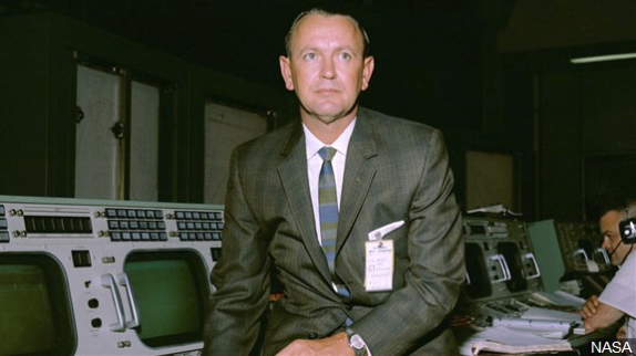Chris Kraft, 1st flight director for NASA, dies at 95