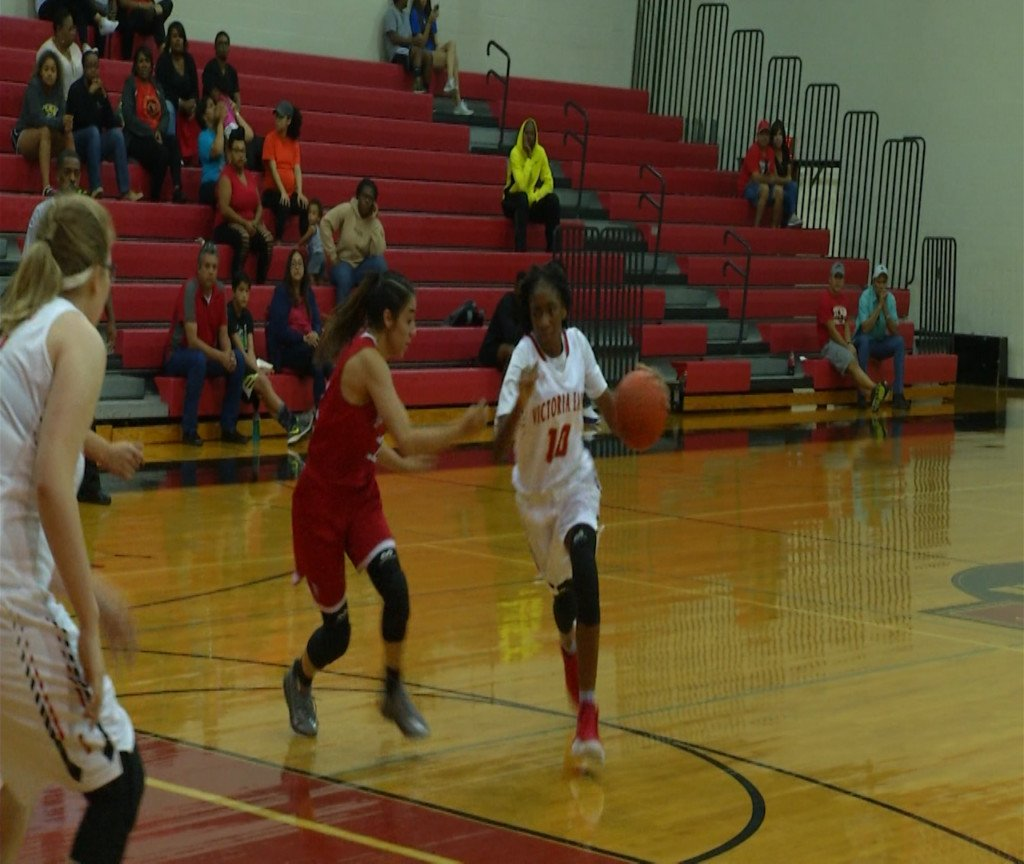 East Girls Basketball Starts District Strong