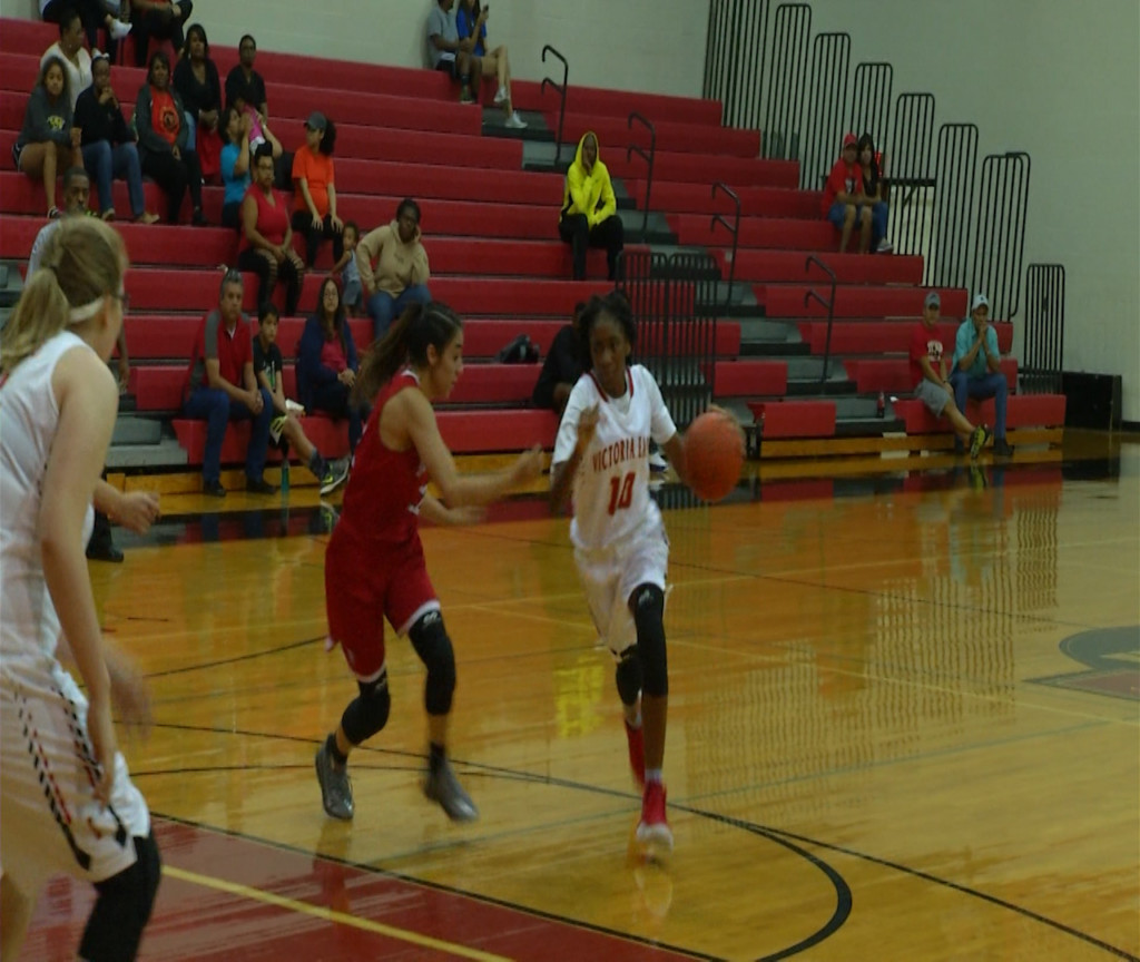 East Girls Basketball Wins District Game