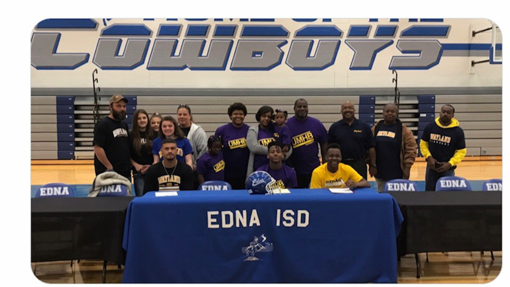 Three More Edna Football Players Sign With Colleges
