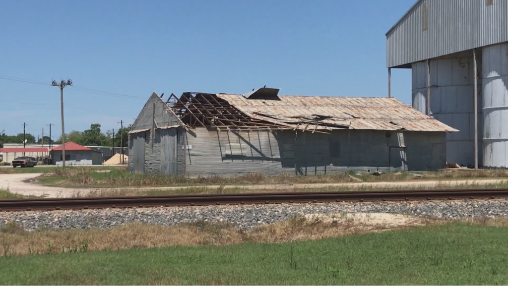 Neighbors come together to clear damage caused by strong storm in Ganado