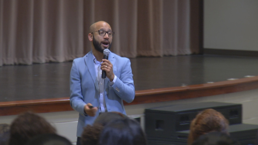 Best-selling author encouraged Victoria East students to think big on Gen TX Decision Day