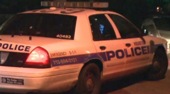 Update: Man faces 4 counts for crash that hurt officers