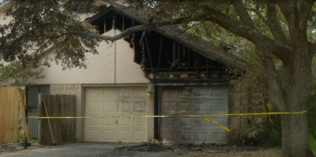 No one injured in Victoria house fire
