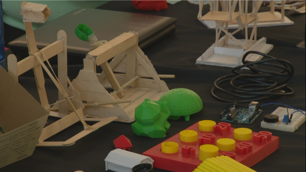 Crossroads students experiment with robots and A.I. at UHV