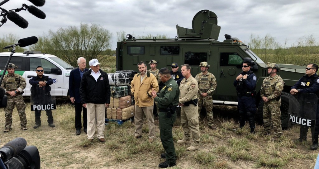 Sen. Cruz tours U.S.-Mexico border with President Trump